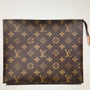 Louis Vuitton Monogram Poche Toilette 26